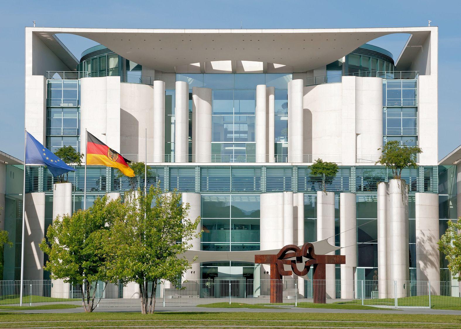 Kanzleramt im Regierungsviertel in Berlin