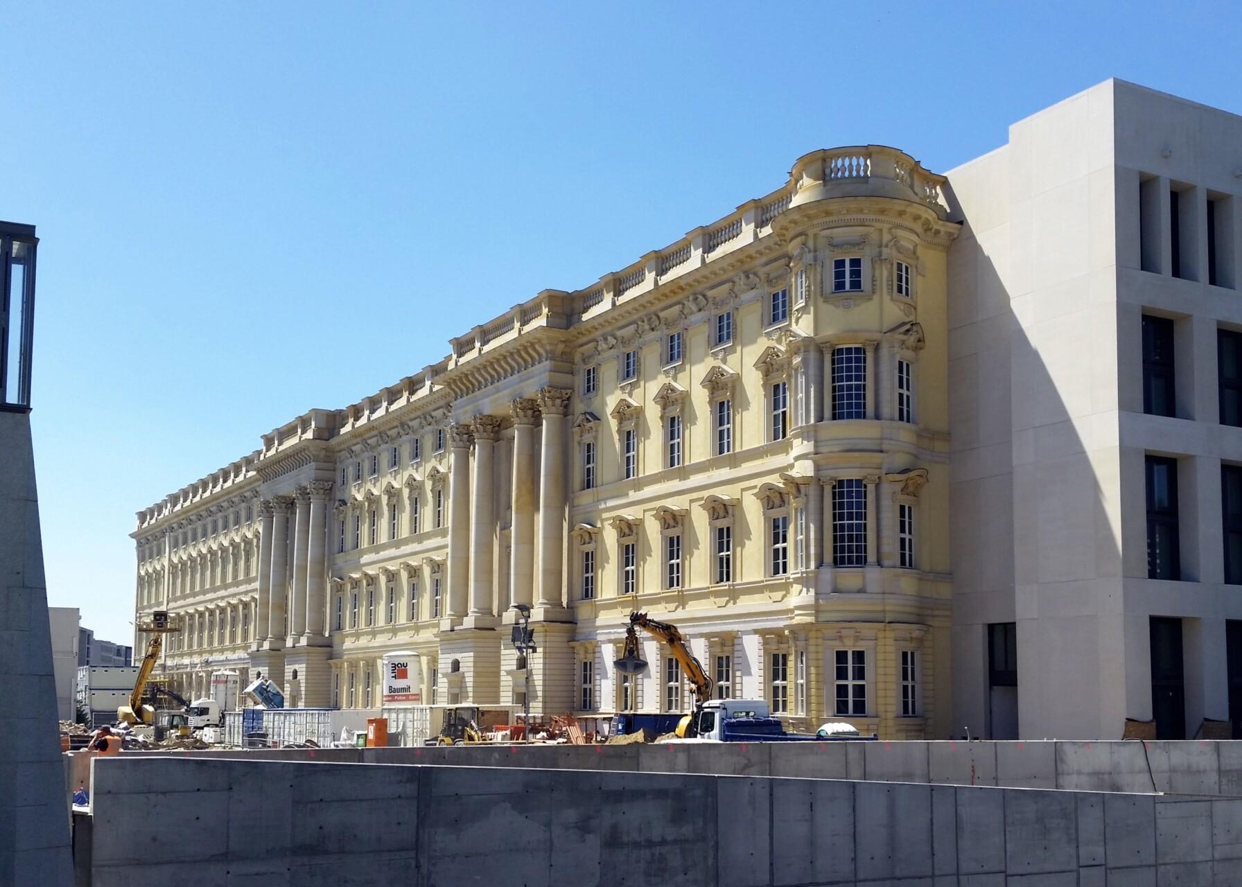 Wiederaufgebautes Schloss auf der Museumsinsel, Station der Architekturführung