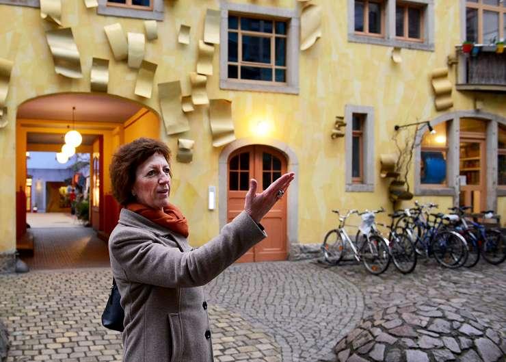 Dresden Stadtführer in der Kunsthofpassage