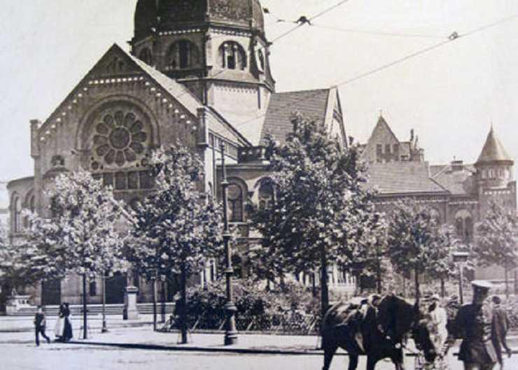 Bild der Bornplatzsynagoge um 1930