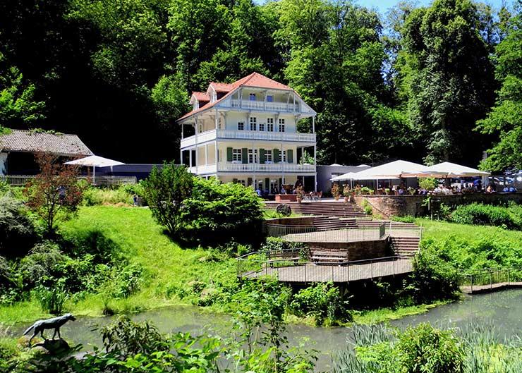 Restaurant Wolfsbrunnen mit Biergarten