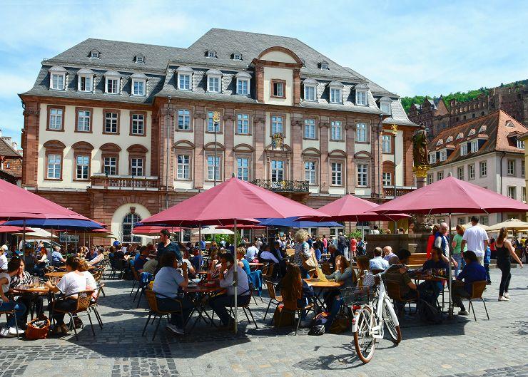 Rathaus Heidelberg und Marktplatz