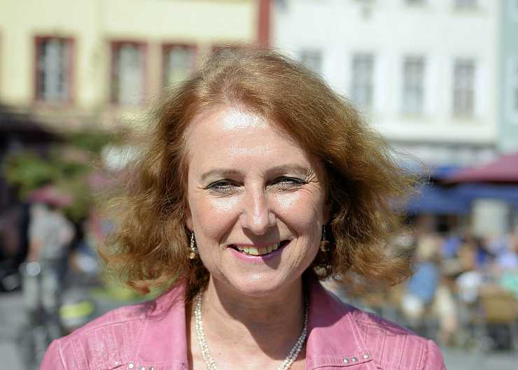 Barbara Clemens, Dr.