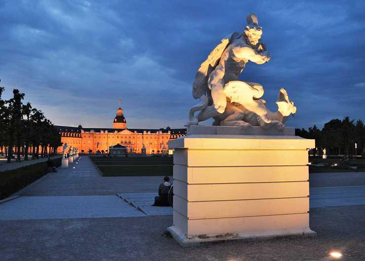 Schlossgarten Karlsruhe am Abend