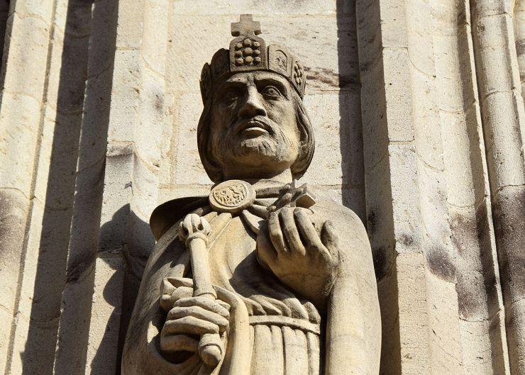 Rathaus zu Köln mit Statue Otto IV.