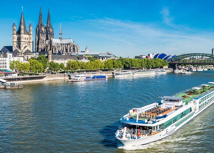 Tipps für Köln: Dom und Groß St. Martin am Rhein besichtigen