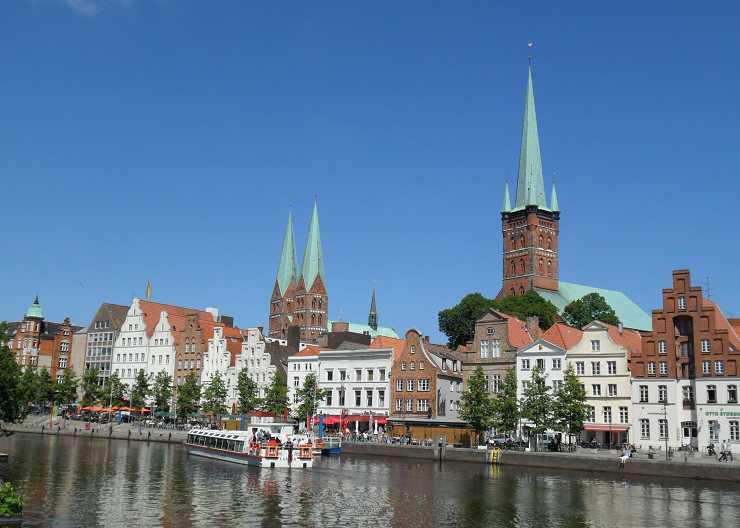 Sightseeing an der Obertrave auf die Lübecker Kirchspiele St. Marien und St. Petri