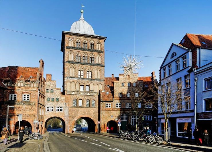 Backsteinhäuser in der Glockengießerstraße vor der Lübecker
