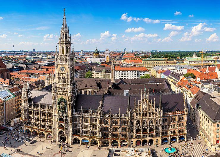 Rathaus und Marienplatz in München