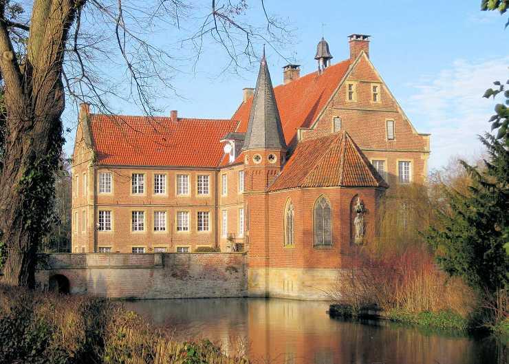 Burg Hülshoff von Süden aus gesehen