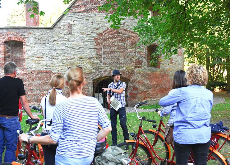 Fahrräder vor dem Haus Rüschhaus