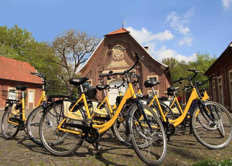 Fahrradtour-Stopp vor Haus Rüschhaus