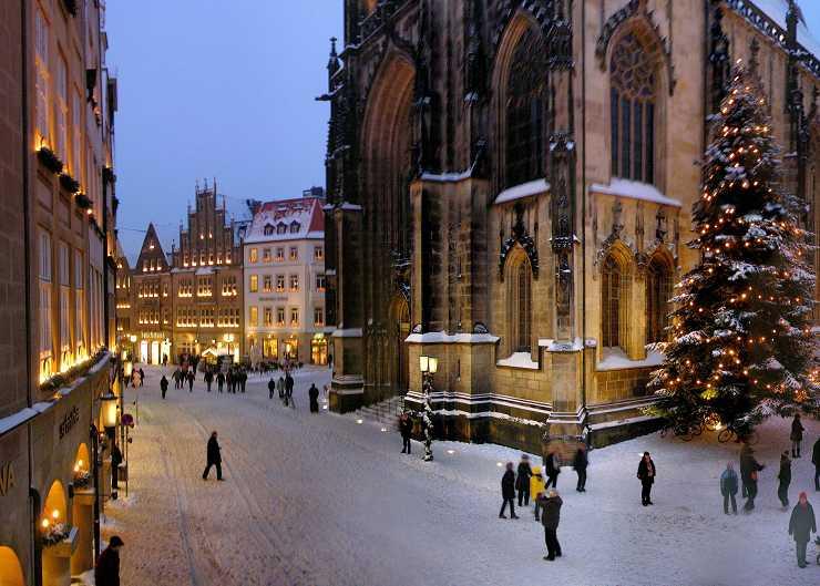 Ansicht des Münsteraner Prinzipalmarkt zur Weihnachtszeit