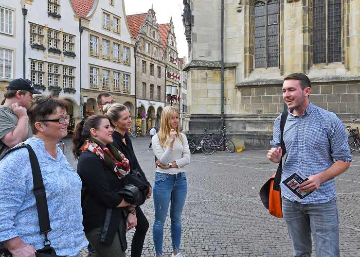 Gäste bei der Wilsberg-Führung in Münster