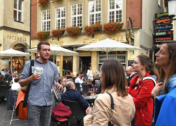 Wilsberg-Tour in Münster: Station auf dem Prinzipalmarkt