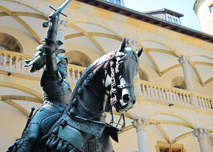 """Reiterstandbild """"Eberhard im Bart"""" im Alten Schloss Stuttgart"""