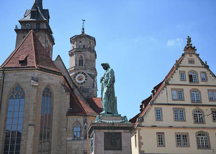 Schillerdenkmal auf dem Schillerplatz in Stuttgart
