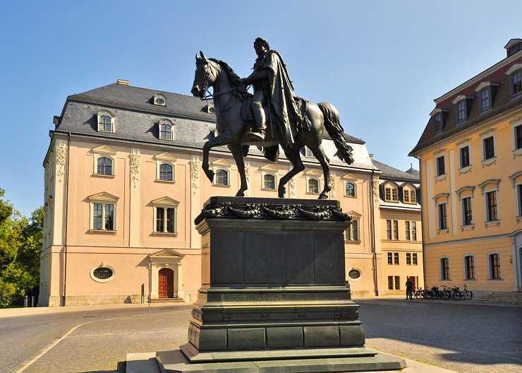 Carl August Denkmal